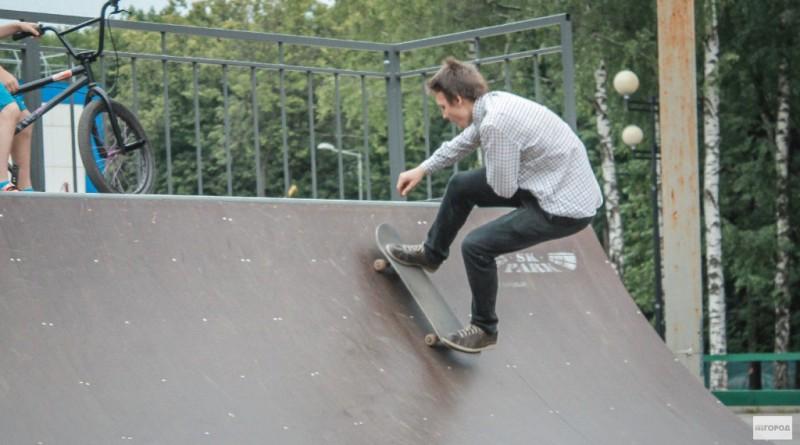 Как научиться кататься на скейтборде взрослому и ребенку - советы для новичков