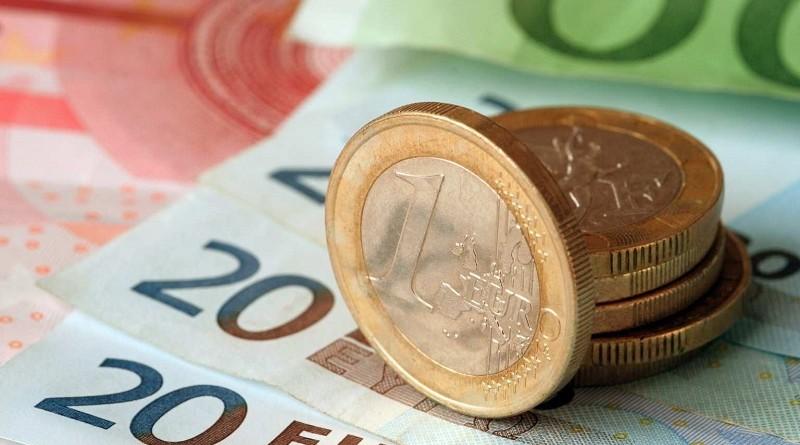 Ответ на санкции - Российский центробанк отказался от евро в пользу золота