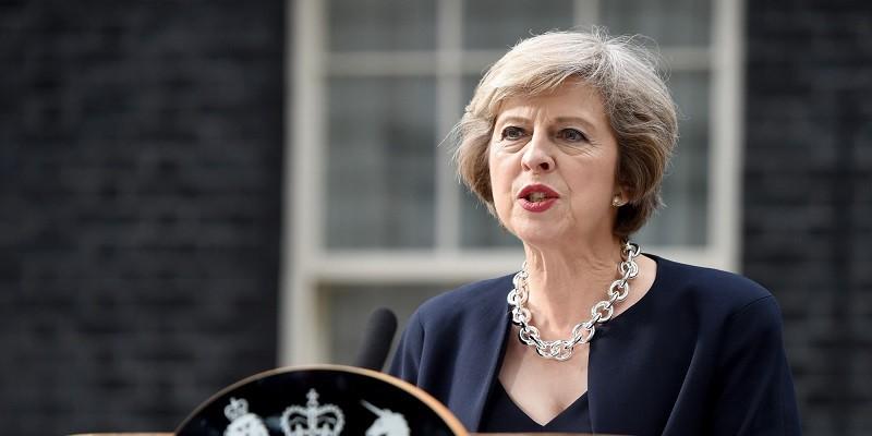"""Великобритания высылает российских дипломатов и отменяет """"контакты высокого уровня"""