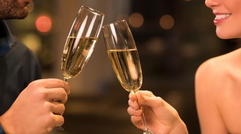 Шампанское способно замедлить старение - ученые рассказали сколько нужно пить
