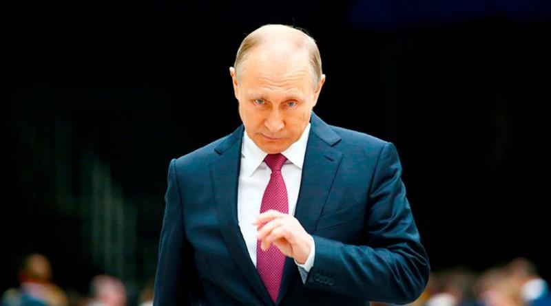 Путин мог изменить свою дату рождения как Сталин
