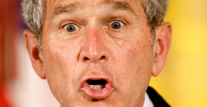 Спаси Джорджа Буша младшего от ботинков - в Сети стала популярной забавная браузерная игра