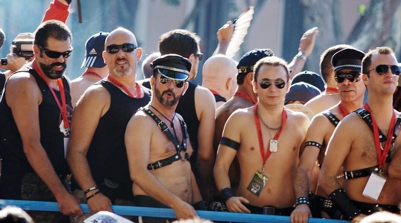 В России сначала разрешили провести гей-парад, а потом запретили