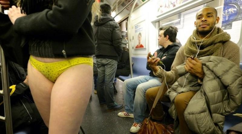 Девушка: Как меня в московском метро «лапали»