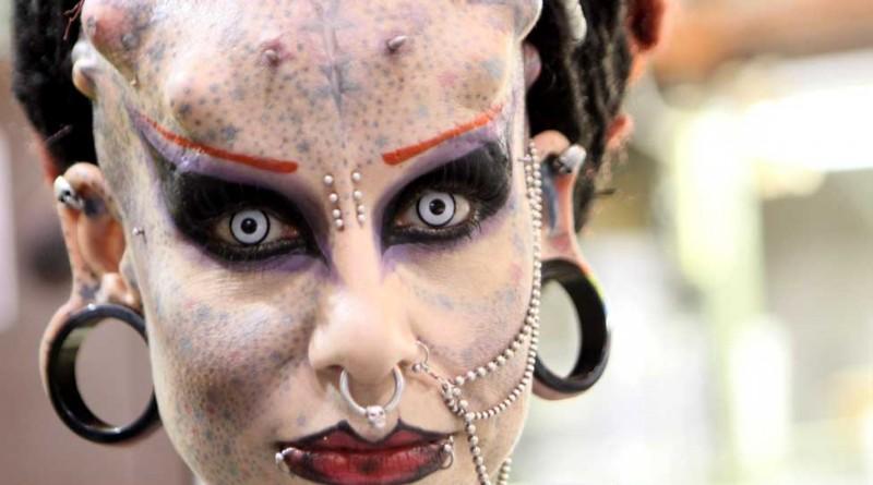 Модификаторы - люди без комплексов со странными лицами (30 фото)