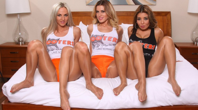 Вендула Беднарова и её подруги радуют горячим контентом (36 фото)