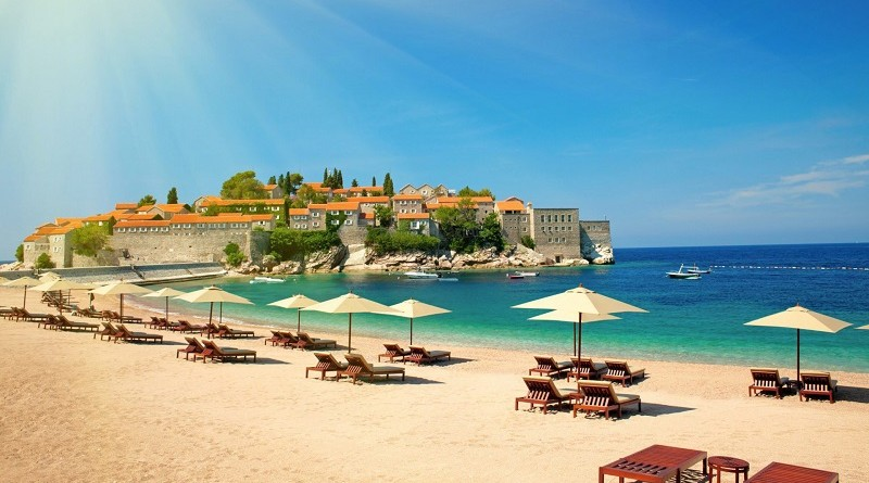 Черногория с детьми: где лучше отдыхать