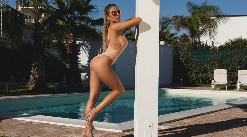 Отдых Маргот у бассейна оказался весьма продуктивным на голые снимки (45 фото)