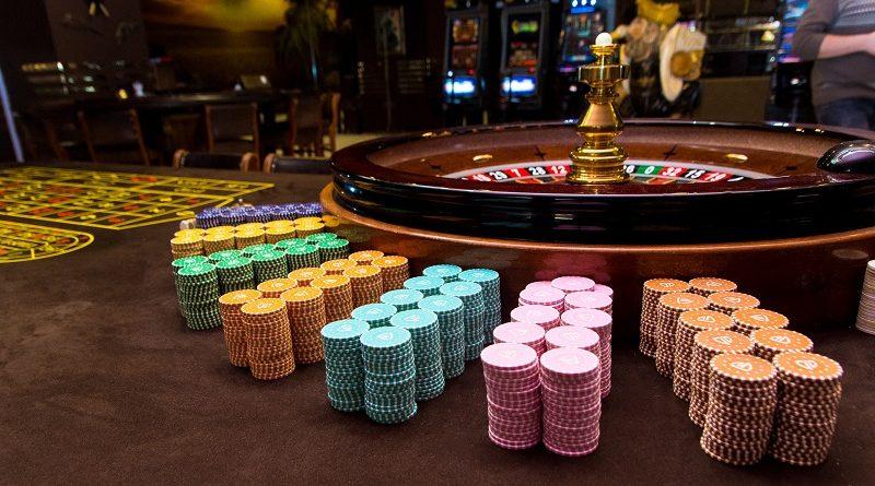 Как заработать в виртуальном казино и какие возможности доступны в интернете