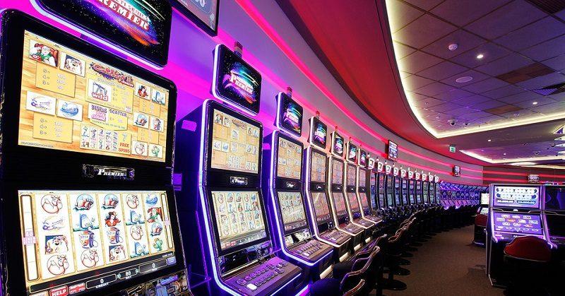 Почему виртуальные казино вытесняют игровые залы и где играть онлайн
