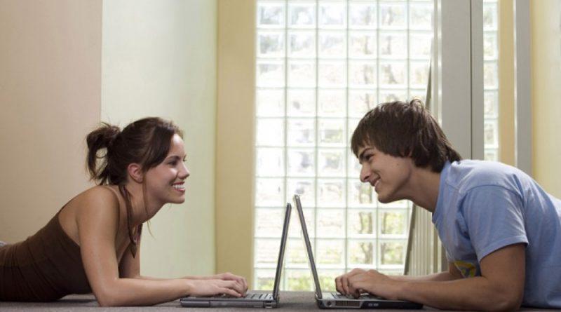Как успешно знакомиться в интернете на сайтах знакомств