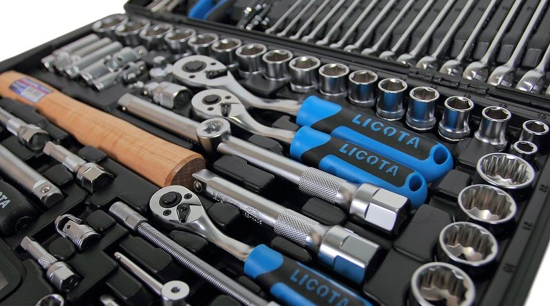 Для чего необходим набор автомобильных инструментов и где купить в Украине