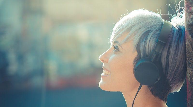 Почему полезно слушать спокойную музыку без слов и где найти композиции