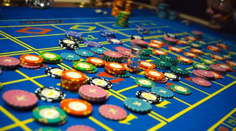 Где казино Вулкан скачать для мобильного гаджета и как заработать на азартных играх