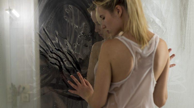 Диана Седова умело покоряет интернет сочными голыми формами (66 фото)