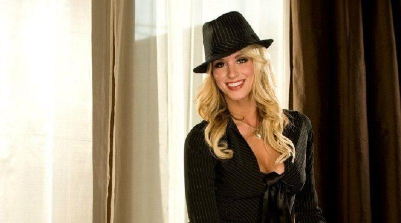 Пришилья Милани разделась для Playboy находясь в шляпе (31 фото)