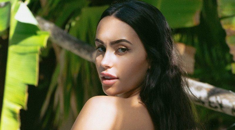 Клаудия Тихан отдохнула на славу и отметилась голым контентом для Playboy (30 фото)