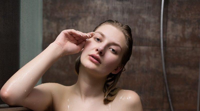 Катя Тез с помощью Playboy опубликовала голые фото из душа (30 фото)