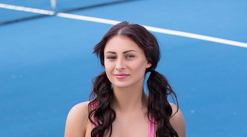 Наоми Мун разделась для Playboy на теннисном корте US Open (20 фото)