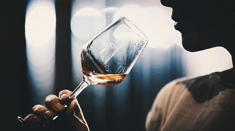 Как продать элитный алкоголь в России с онлайн оценкой
