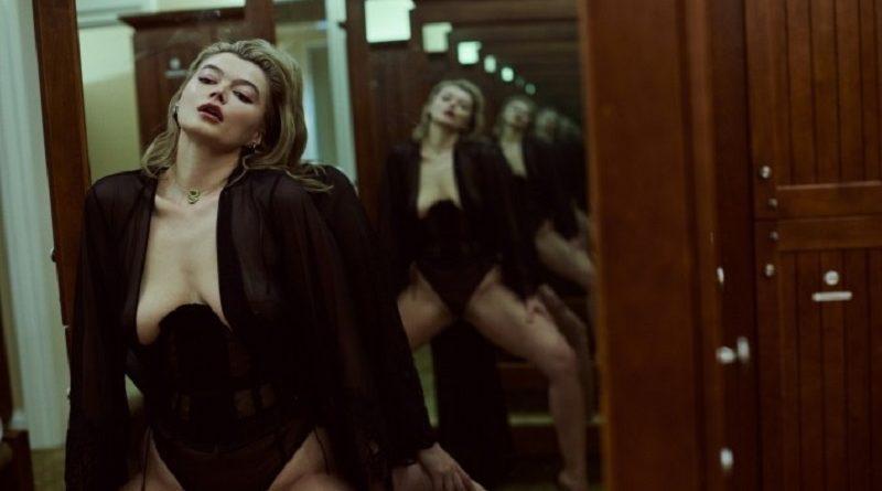 Модель Playboy Кристиана демонстрирует яркие эротические образы (31 фото)