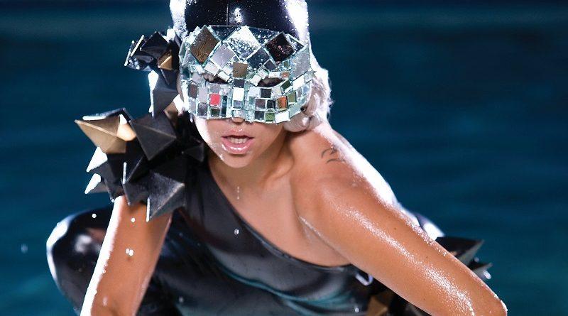 Смотреть лучшие клипы Леди Гага - Poker Face 861 млн просмотров