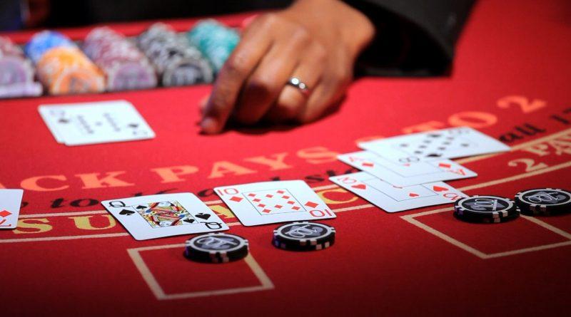 Как опытным участникам казино удается зарабатывать и насколько выгодно играть в Сети