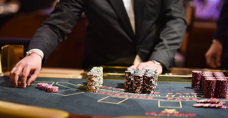 Что предлагает участникам казино Плей Фортуна и как играть на смартфоне